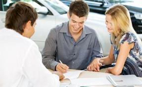 Как выгоднее оформить автокредит - Автосалон или банк?